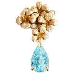 18 Karat Yellow Gold Brooch with Diamonds and Paraiba Tourmaline