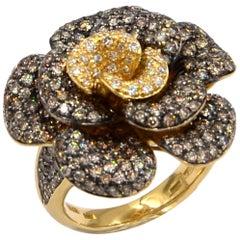 18 Karat Yellow Gold Brown and White Diamonds Pavè Rose Garavelli Ring