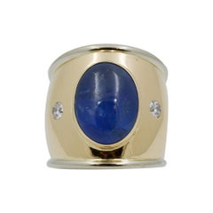 18 Karat Yellow Gold Cabochon Sapphire and Diamond Ring