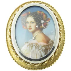 18 Karat Yellow Gold Cameo Pendant or Brooch