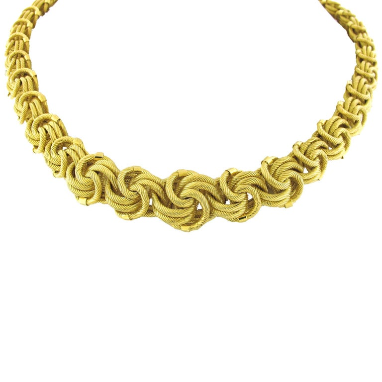 Such an exquisite necklace. This 18kt yellow gold chain necklace is extremely well made. The way it sits on the neck and how the different sides sparkle show this was made with care. Original owner spent nearly $15,000 on this necklace at a