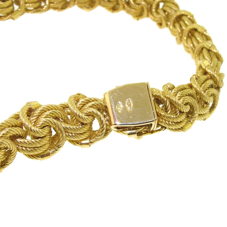 Women's 18 Karat Yellow Gold Chain Necklace For Sale