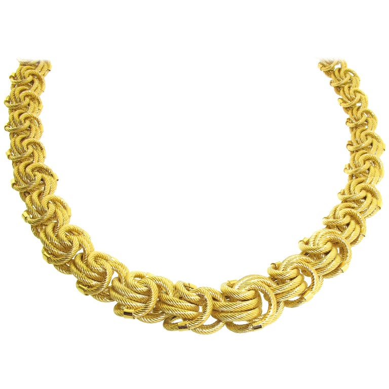 18 Karat Yellow Gold Chain Necklace For Sale