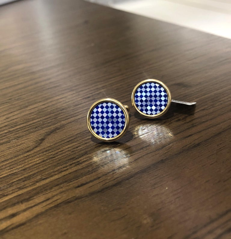 Artisan 18 Karat Yellow Gold Checkerbord Lapis and Mother-of-Pearl Cufflinks For Sale