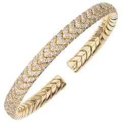 18 Karat Yellow Gold Chevron Diamond Bangle Bracelet