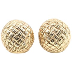 18 Karat Yellow Gold Chimento Basket Weave Huggie Earrings