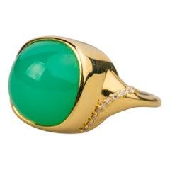 18 Karat Yellow Gold Chrysophrase and White Diamond Ring
