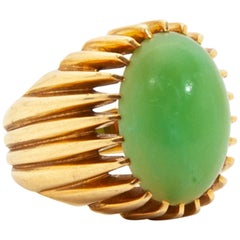 18 Karat Yellow Gold Chrysophrase Ring, 1960s-1970s