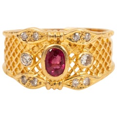 18 Karat Yellow Gold Cigar Mesh Front Band Ring with Ruby