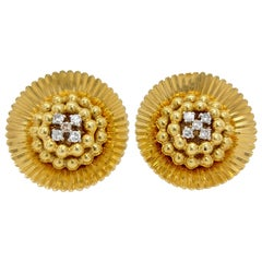 18 Karat Yellow Gold Clip-On Flower Shape Earrings 8/8 Cut Diamonds 0.26 Carat