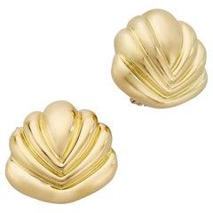 18 Karat Yellow Gold Clip On Shell Earrings