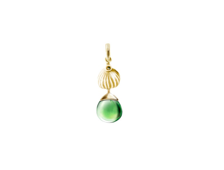 18 Karat Yellow Gold Cocktail Fig Earrings with Warm Green Quartzes and Diamonds For Sale 1