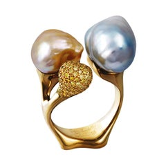 18 Karat Yellow Gold Cocktail Ring 1.49 Carat Yellow Diamonds and Baroque Pearls
