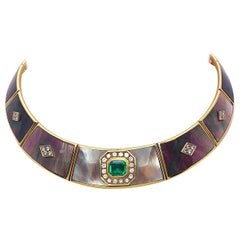 18 Karat Yellow Gold Collar Necklace 1.75 Ct Emerald, Diamonds & Mother of Pearl