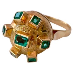 18 Karat Yellow Gold Colombian Emerald Ring