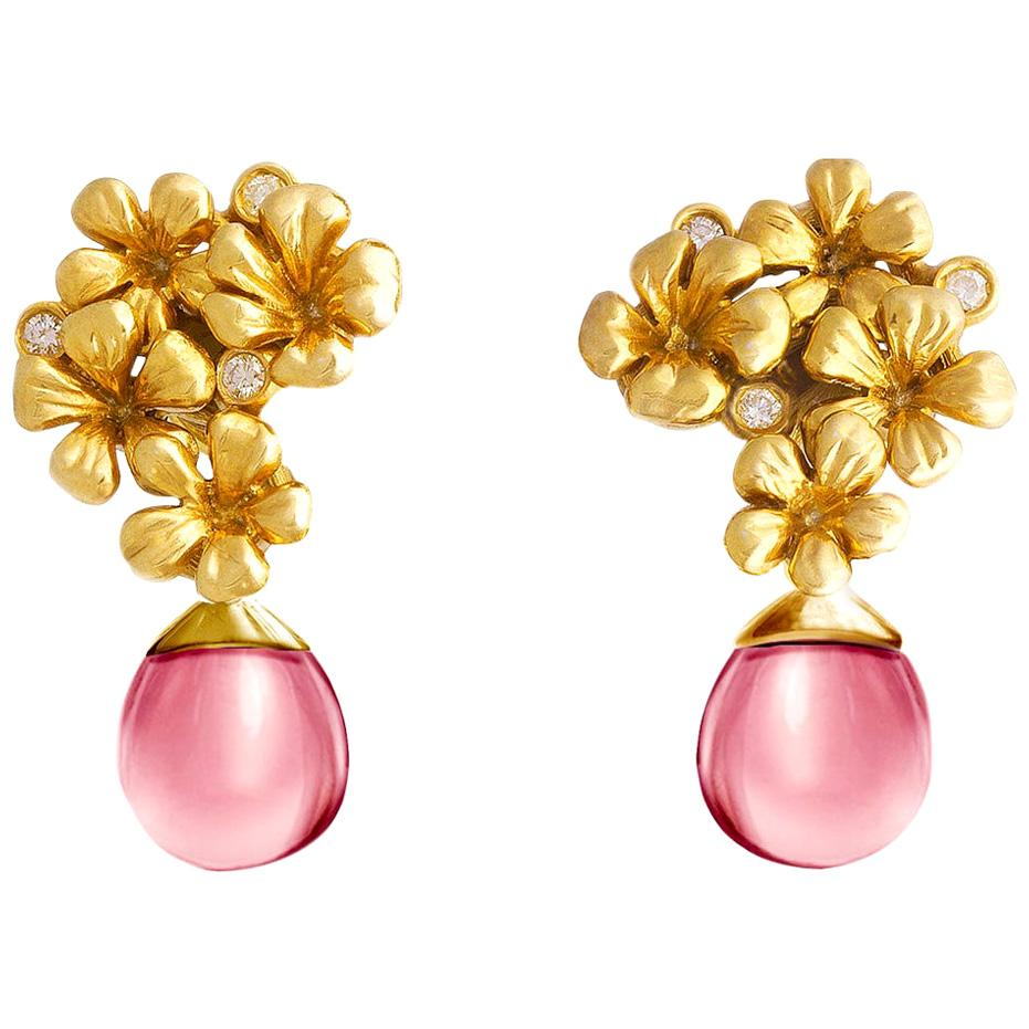 18 Karat Yellow Gold Contemporary Clip-On Earrings with Diamonds and Rose Quartz