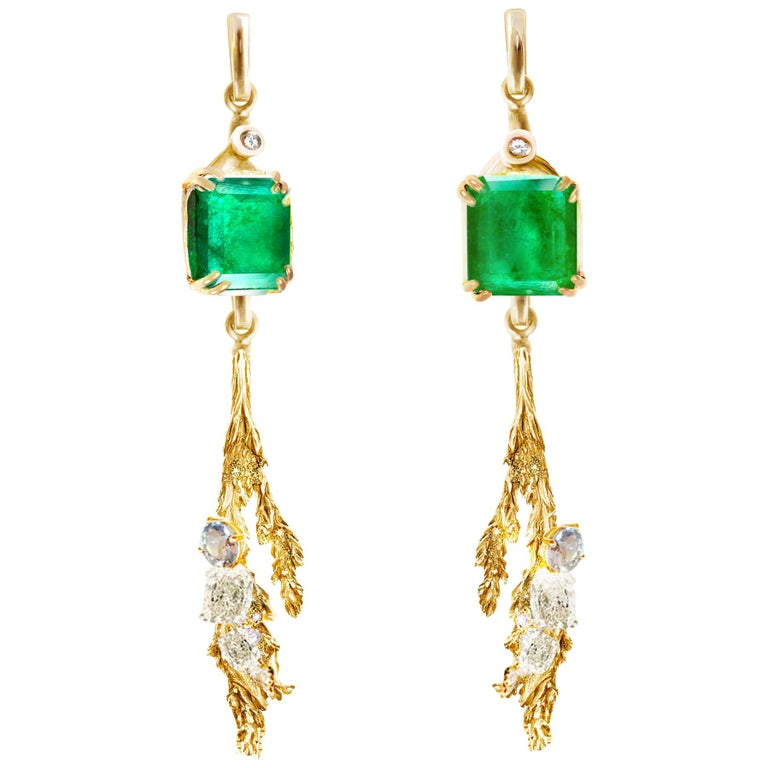 18 Karat Yellow Gold Contemporary Clip-On Earrings with Emeralds and Diamonds For Sale