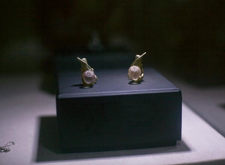 18 Karat Yellow Gold Contemporary Cocktail Fig Earrings by the Artist For Sale 2