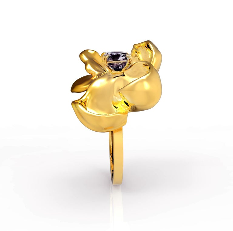 18 Karat Yellow Gold Contemporary Cocktail Ring with Ink Storm Purple Spinel For Sale 3