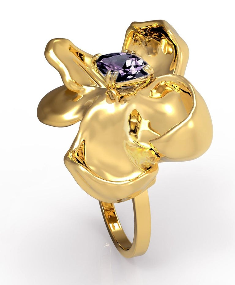 18 Karat Yellow Gold Contemporary Cocktail Ring with Storm Purple Spinel For Sale 6