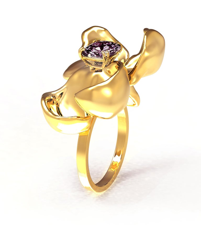 Cushion Cut 18 Karat Yellow Gold Contemporary Cocktail Ring with Storm Purple Spinel For Sale