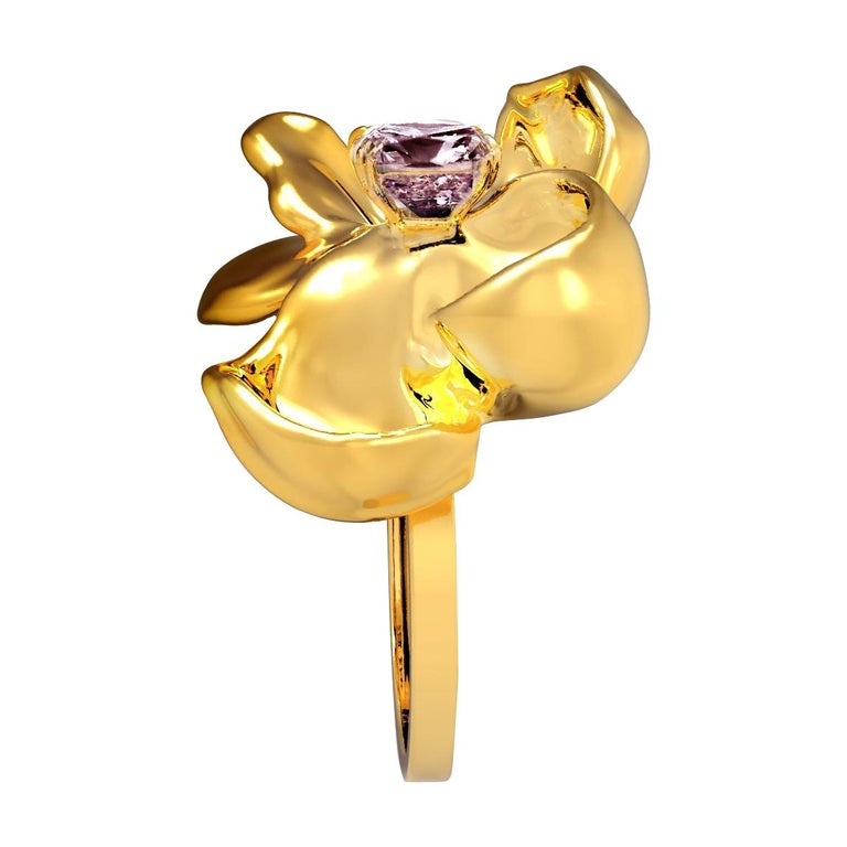 18 Karat Yellow Gold Contemporary Cocktail Ring with Storm Purple Spinel For Sale