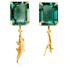 18 Karat Yellow Gold Contemporary Dangle Earrings with Natural Emeralds