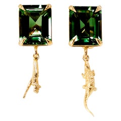 18 Karat Yellow Gold Contemporary Earrings with Chrome-Diopsides