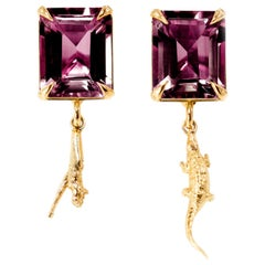 18 Karat Yellow Gold Contemporary Earrings with Rubies
