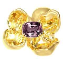 18 Karat Yellow Gold Contemporary Magnolia Brooch with Cushion Spinel