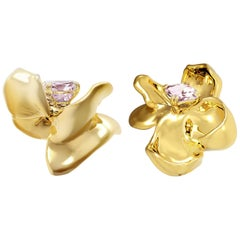 18 Karat Yellow Gold Contemporary Magnolia Clip-On Earrings with Spinels