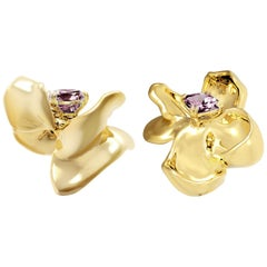 18 Karat Yellow Gold Contemporary Magnolia Stud Earrings with Purple Spinels
