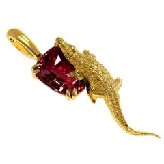 18 Karat Yellow Gold Contemporary Pendant Necklace with 6.63 Cts. Red Sapphire