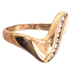 18 Karat Yellow Gold Contemporary Ring with Diamonds