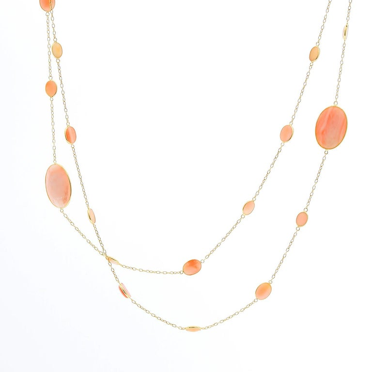 18 Karat Yellow Gold Coral Necklace In New Condition For Sale In Dallas, TX