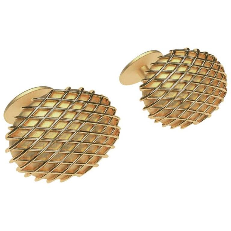 18 Karat Yellow Gold Cufflinks For Sale