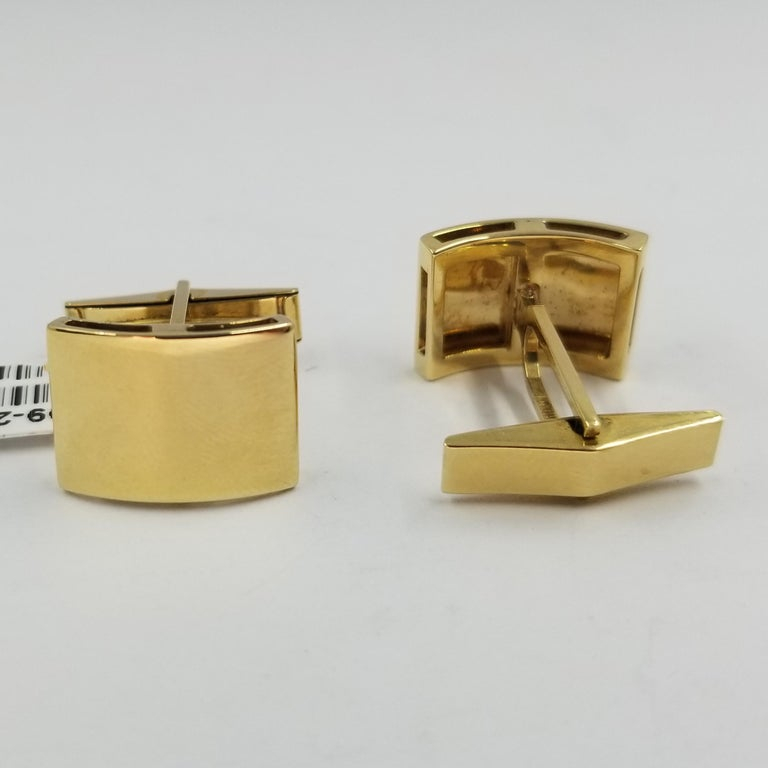 Men's 18 Karat Yellow Gold Curved Engravable Cufflinks For Sale