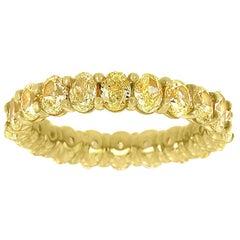 18 Karat Yellow Gold Cushion Yellow Diamonds Eternity Ring '4. Carat'