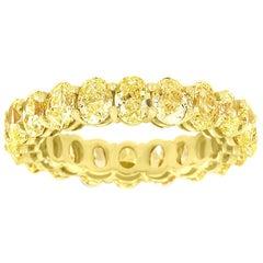18 Karat Yellow Gold Cushion Yellow Diamonds Eternity Ring '5. Carat'