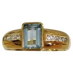 18 Karat Yellow Gold Diamond and Aquamarine Ring