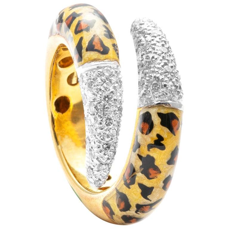 18 Karat Yellow Gold Diamond and Enamel Ring For Sale
