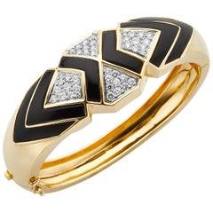 18 Karat Yellow Gold Diamond and Onyx Cuff Bracelet