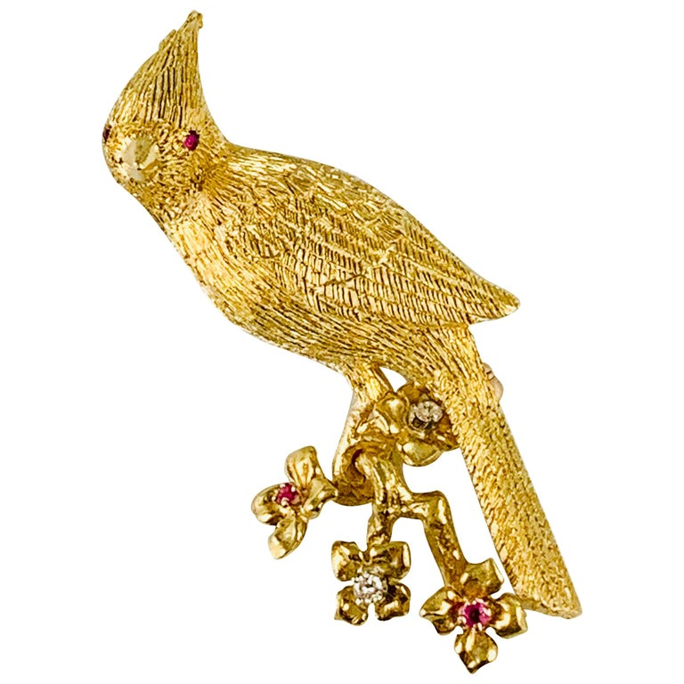 18 Karat Yellow Gold Diamond and Ruby Bird Brooch / Pin For Sale