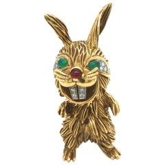 18 Karat Yellow Gold Diamond Emerald Ruby Rabbit Brooch, 1960s