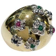 18 Karat Yellow Gold Diamond Flowers Ring
