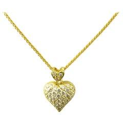 18 Karat Yellow Gold Diamond Heart Pendant Necklace