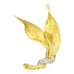 18 Karat Yellow Gold Diamond Leaf Brooch