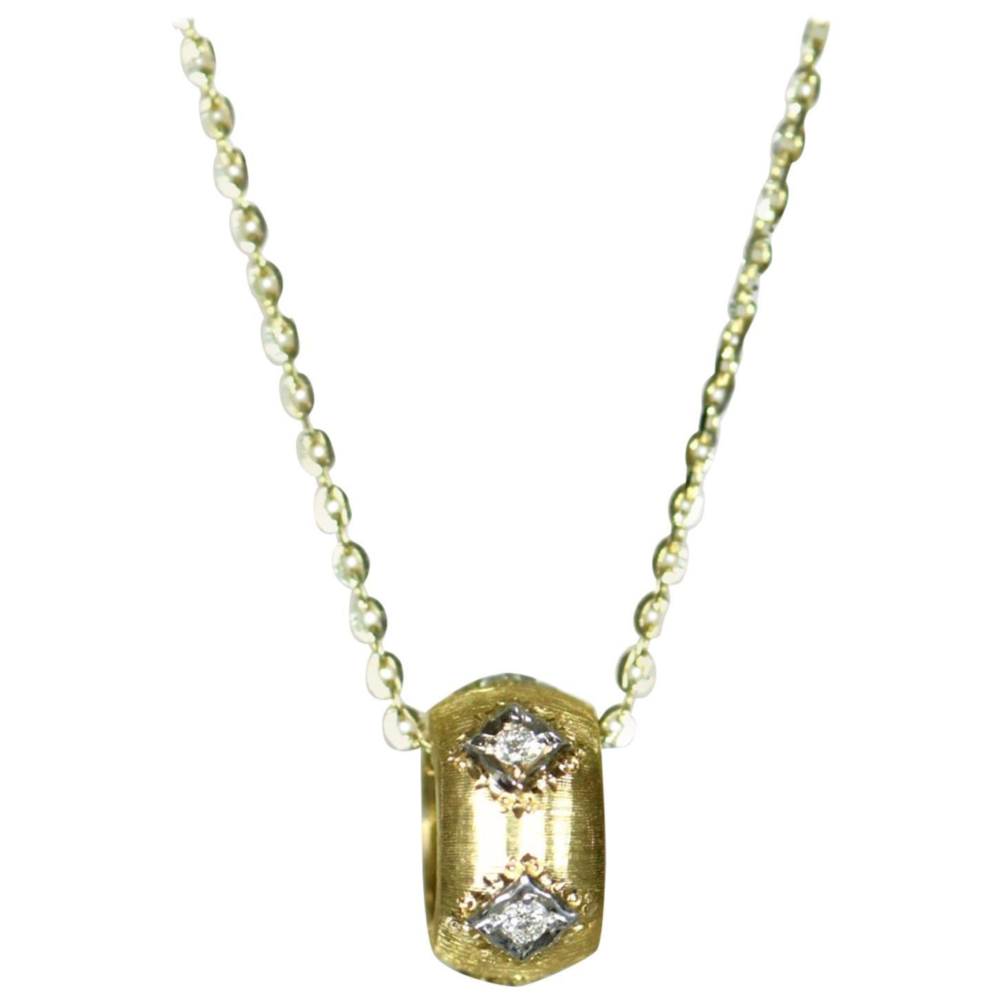 18 Karat Yellow Gold Diamond Pendant Necklace