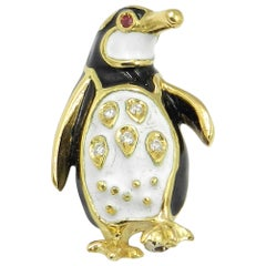 18 Karat Yellow Gold Diamond Penguin Brooch