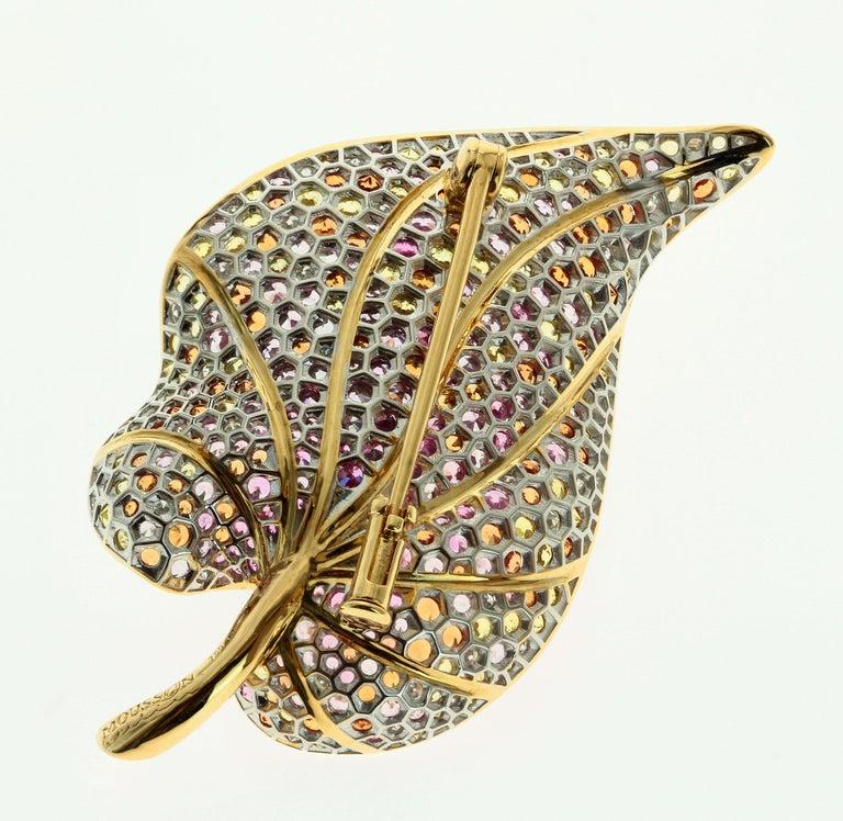 Women's or Men's 18 Karat Yellow Gold Diamond Sapphire Tsavorite Frog on the Leaf Brooch For Sale